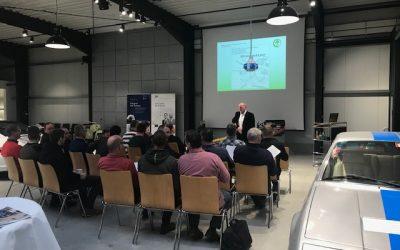 Schulungs-Veranstaltung in automobilem Ambiente